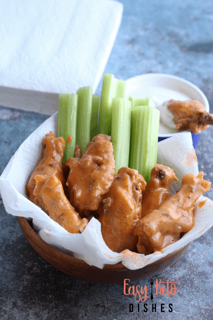 hot wings with celery and ranch dip