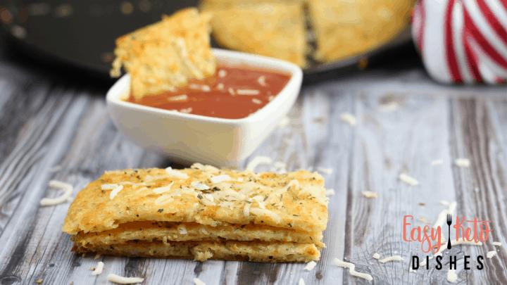 Cheesy Garlic Bread (keto, low carb)