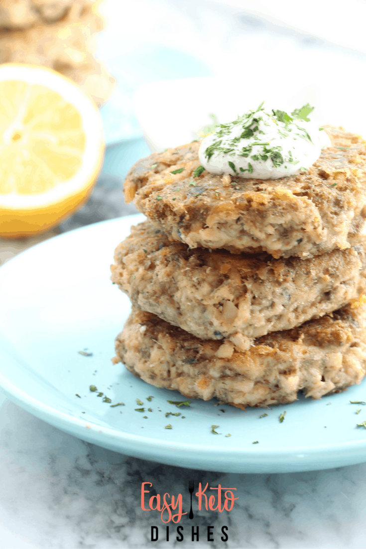 salmon patties with lemon